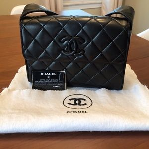 Chanel Vintage CC Crossbody